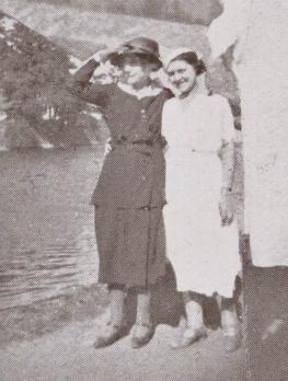 """Louise-Constance Meunier en compagnie de Luce-Maurice Charloche. """"Dialogues avec le vent"""". Lille-Paris: Mercure universel, 1933. Detail de la photo frontispice."""